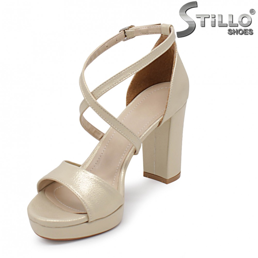 sandale din piele naturala fara toc cu talpa joasa joase
