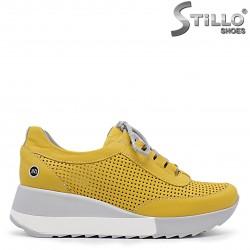 Pantofi dama sport de culoare galben cu perforatie si cu sireturi -36329