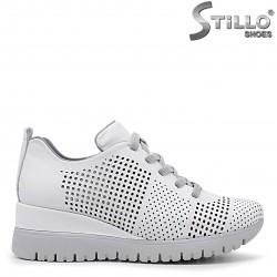 Pantofi sport de culoare alb cu platforma - 36344