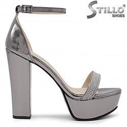 Sandale dama de culoare bronz cu toc inalt si cu pietricele – 36355