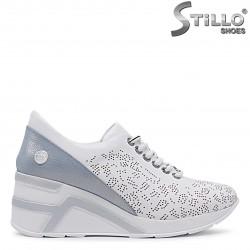 Pantofi sport  de culoare alb din piele naturala si cu platforma  – 36512