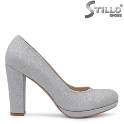 Pantofi argintii cu brocart si  cu toc inalt si platforma – 36539