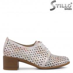 Pantofi perforati si cu sireturi din piele naturala si cu toc – 36582