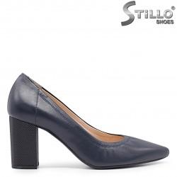 Pantofi clasici de culoare albastru din piele naturala si cu toc – 36612