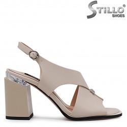 Sandale elegante de culoare bej cu toc gros – 36779