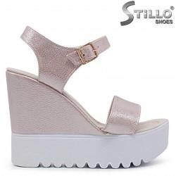 Sandale dama cu platforma inalta de culoare roz – 36912