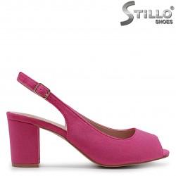 Sandale de culoare ciclam din velur si cu toc mijlociu – 36935