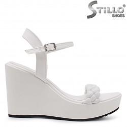 Sandale dama cu platforma inalta de culoare alb – 36966
