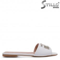 Papuci dama din piele natuurala si cu catarama – 36972