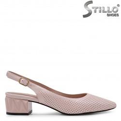 Sandale cu partea din fata acoperita confetionate din piele naturala – 36998