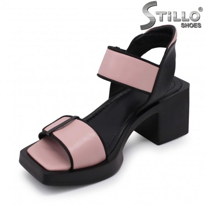 Sandale din piele naturala de culoare negru si roz – 37009