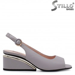 Sandale de culoare gri din piele naturala si cu toc modern – 37012
