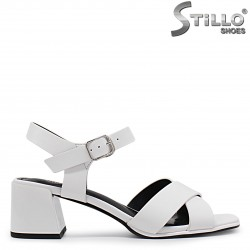 Sandale dama de culoare alb cu toc mijlociu – 37021