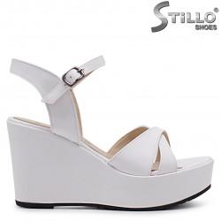 Sandale dama de culoare alb cu paltforma tip tanc  - 37065