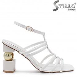 Sandale fashion de culoar alb cu toc de efect – 37074