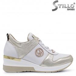 Sneakers dama pe platforma de culoare alb si auriu – 37295