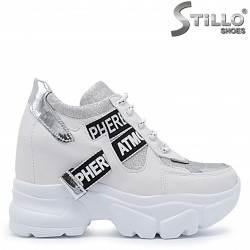 Sneakers de culoare alb cu platforma  brocart si imprimanta – 37409